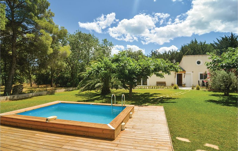 Beautiful home in Villen.-lès-Maguelone with WiFi and 3 Bedrooms (FLH223), holiday rental in Mireval