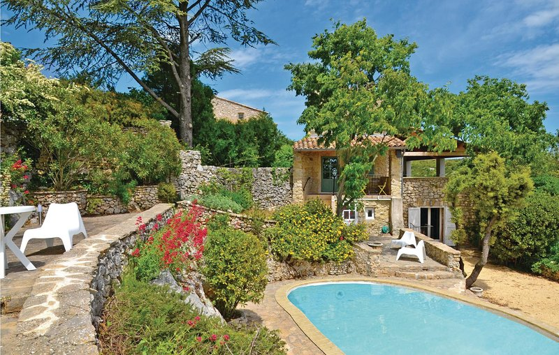 Awesome home in Bidon with WiFi and 2 Bedrooms (FRA091), holiday rental in Gras