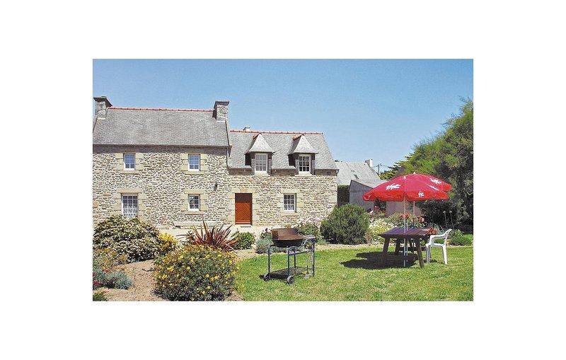Nice home in Kerlouan with WiFi and 6 Bedrooms (FBF459), alquiler vacacional en Guisseny
