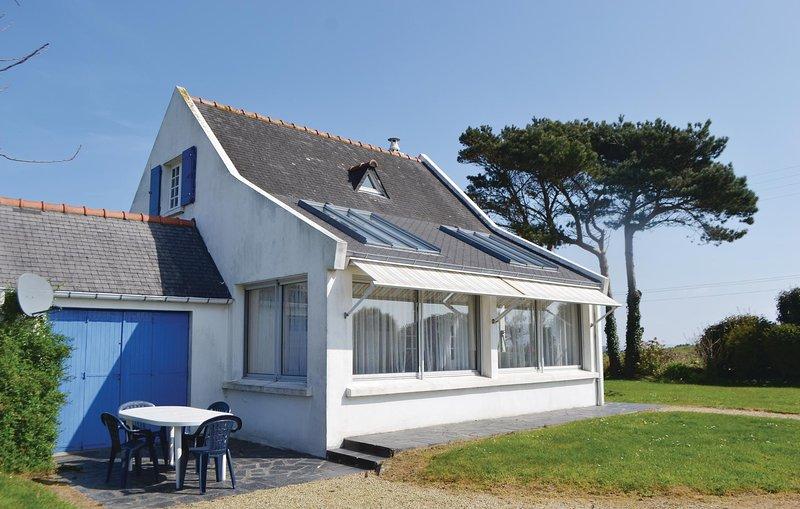 Amazing home in Locquirec w/ 3 Bedrooms (FBF454), vacation rental in Saint-Jean-du-Doigt