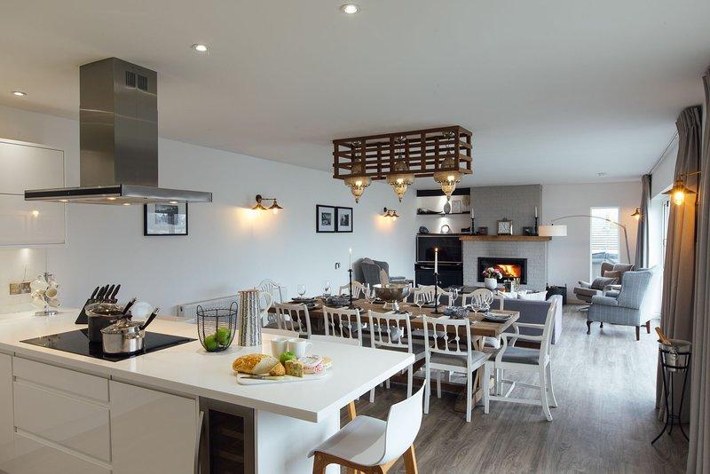 The Hawthorns - Large Luxury Cottage, Hot Tub, Sea Views, alquiler de vacaciones en Saundersfoot