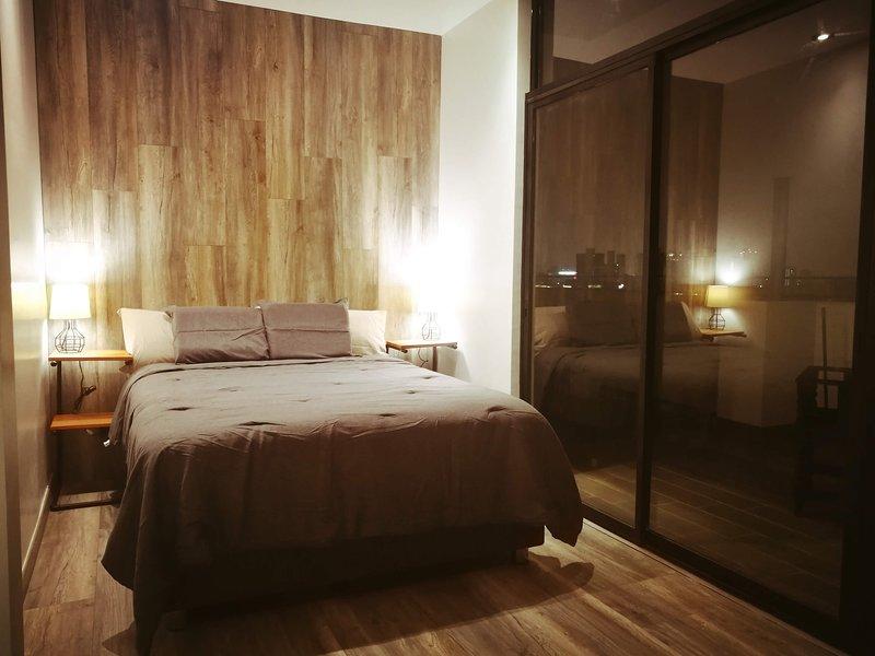 Penthouse Suite w/ Private Terrace in San Isidro!, location de vacances à Pachacamac