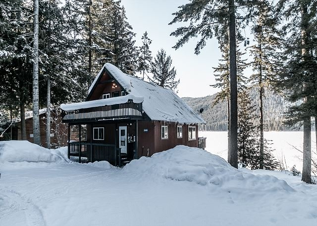 Otter Chalet blanketed in snow