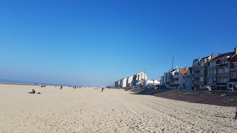 Appartement en duplex rénové  Bray-Dunes 50 mètres  plage  4-6 personnes, vacation rental in Dunkirk