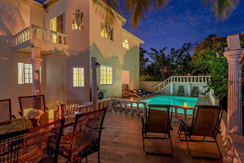 PrivatePrivate Getaway for Fam & Friends - Luxury Villa, 5-Star Amenities, Beach, holiday rental in Boscobel