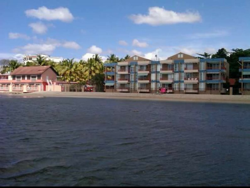20 steps from beach! 1 br fully A/C, WiFi, beachfront apartment, holiday rental in Boqueron