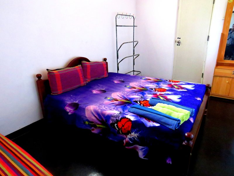 Double Room with Private Bathroom, vacation rental in Waikkal