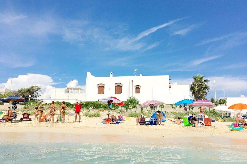 Villa Layla | sulla sabbia, vista mare, wifi, a/c, location de vacances à Torre Lapillo
