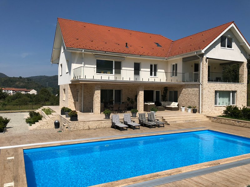 Villa Bergzicht, holiday rental in Hunedoara County
