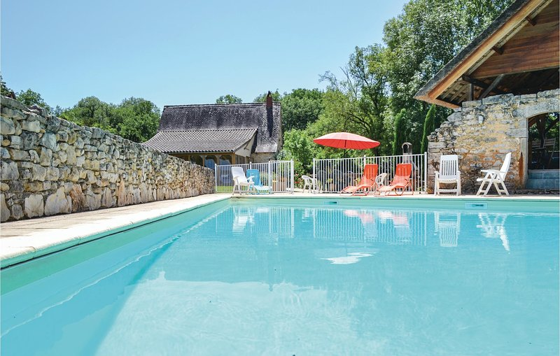 Awesome home in Padirac with Outdoor swimming pool and 2 Bedrooms (FML090), holiday rental in Rocamadour