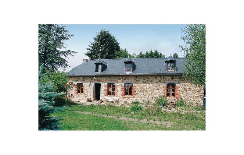 La Resistante (FNA008), holiday rental in Mondrepuis