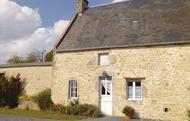 Amazing home in St. Germain du Pert with 2 Bedrooms (FNC131), holiday rental in La Cambe