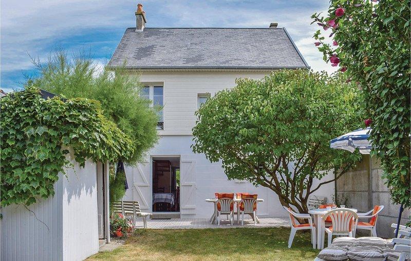 Villa Clair Soleil (FNM001), holiday rental in Tourville-sur-Sienne