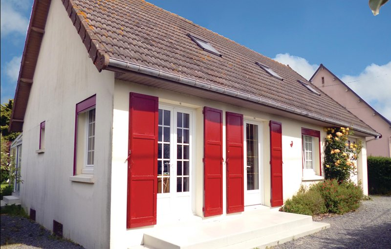 Amazing home in Anneville sur Mer with 2 Bedrooms (FNM002), holiday rental in Gouville-sur-Mer