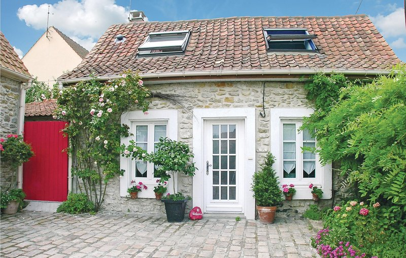 Beautiful home in Ambleteuse with WiFi and 1 Bedrooms (FNP034), location de vacances à Marquise