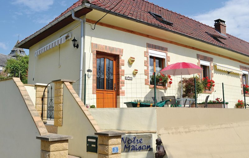 Amazing home in Ligny-sur-Canche with WiFi and 2 Bedrooms (FNP073), holiday rental in Beauvoir Wavans