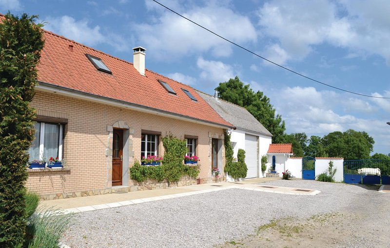 Nice home in Senlecques with 3 Bedrooms (FNP117), holiday rental in Verchocq