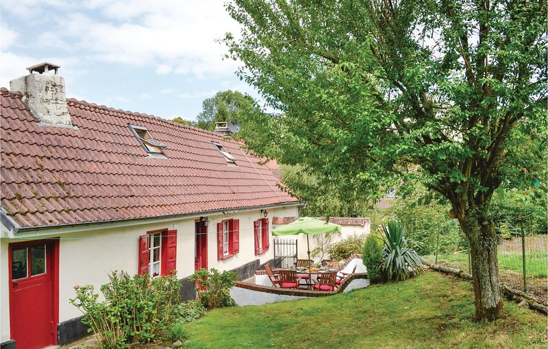 Beautiful home in Gouy en Ternois with WiFi and 3 Bedrooms (FNP145), holiday rental in Souastre