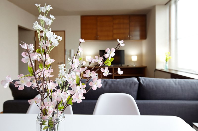 NEWLY OPENED, SLEEPS 10, SPACIOUS, COMFORTABLE & 5 MINUTES TO OMORI station, aluguéis de temporada em Yokohama