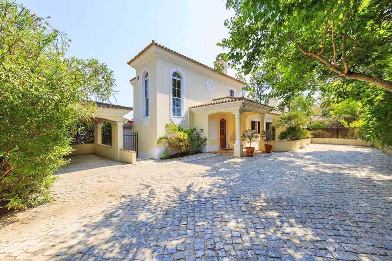 Quinta do Lago Villa Sleeps 6 with Pool Air Con and WiFi - 5774396, alquiler vacacional en Gambelas