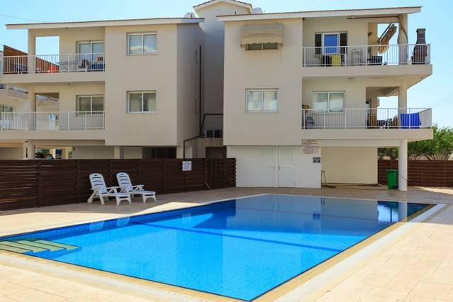 Avlida D24 - 2 Bedroom Apartment with Communal Pool, holiday rental in Dherinia