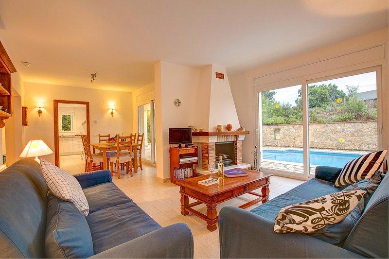 Tamariu Villa Sleeps 6 with Pool and WiFi - 5604540, location de vacances à Tamariu