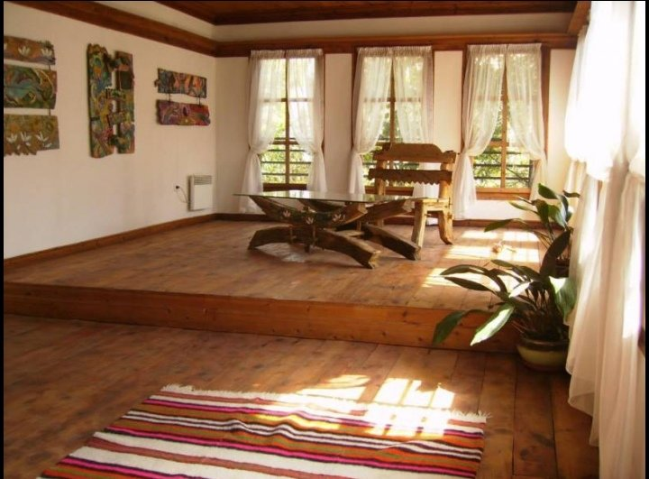 Art house, Smolyan, Bulgaria, luxury holiday home, Rhodope mountains, location de vacances à Banite