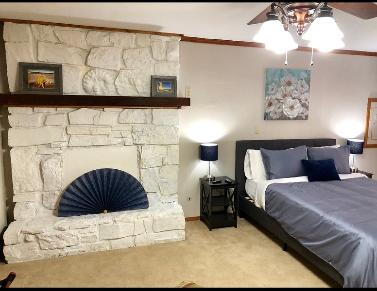 Fair Grounds House Downstairs, vacation rental in Tulsa