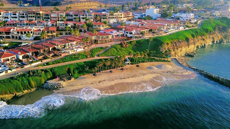 Las Gaviotas Beach House Vacation, vacation rental in Tecate