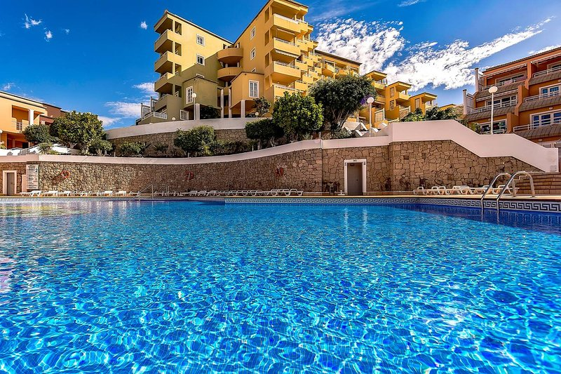 VILLA MOLEIRO -RESIDENCIAL ORLANDO, vacation rental in Playa de Fanabe