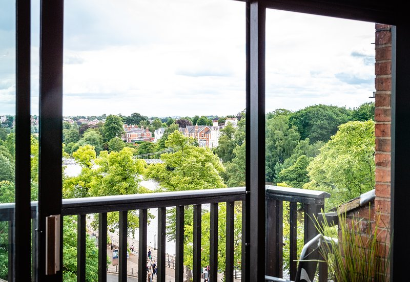 Stunning Top Floor Living Room & Balcony with stunning views along the River Dee, Free Wifi included
