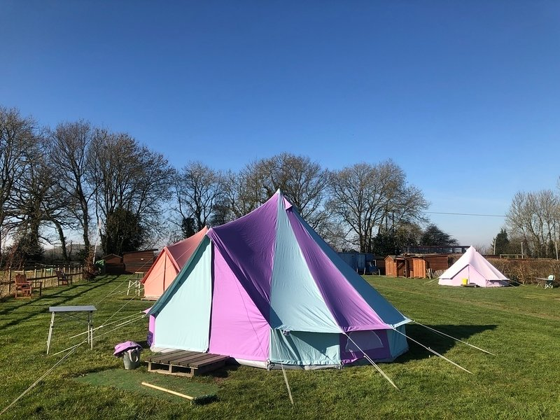 Fully-Equipped Bell Tent 2, holiday rental in Upton Scudamore