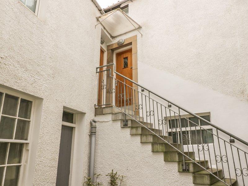 HAYLOFT, harbourside location, en-suite bathroom, in Pittenweem, Ref 924735, vacation rental in Pittenweem