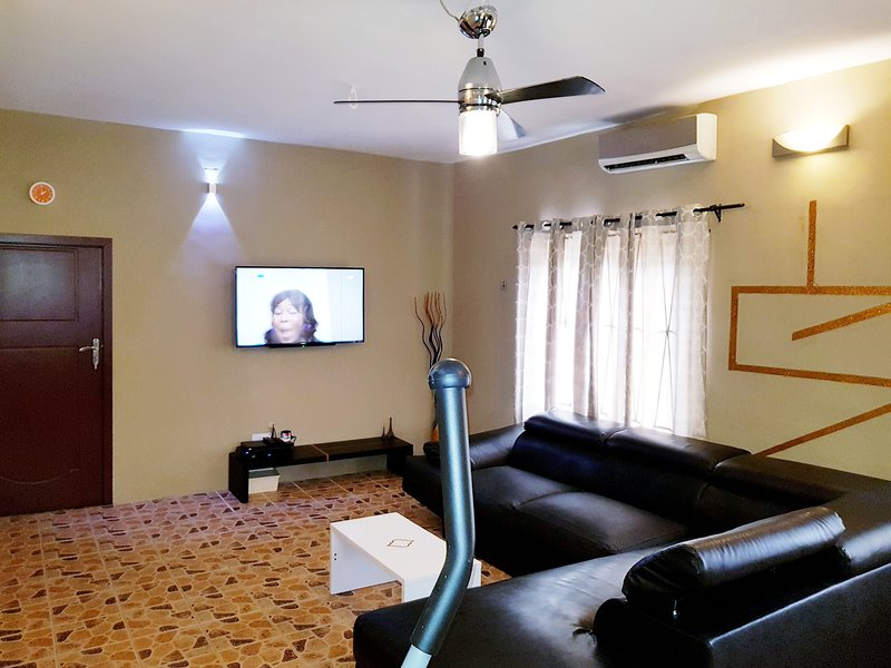 Ikeja Short-lets Lagos 2 Bedroom Apartment, vacation rental in Lagos State