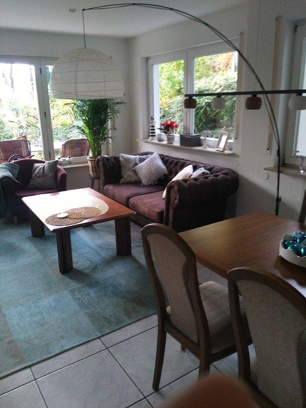 Helles Appartment, schöne Lage, am Bach und am Landschaftsschutzgebiet, location de vacances à Fuerth