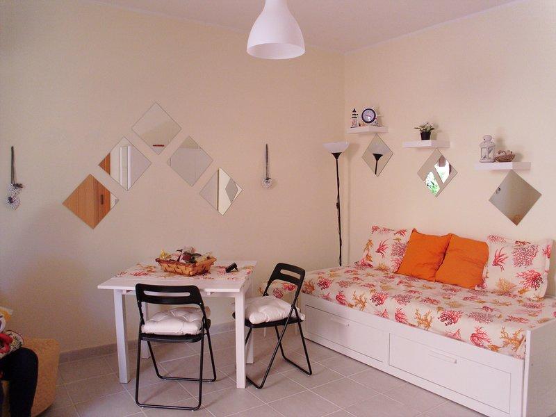 Nice studio with garden & terrace, holiday rental in Porto Columbu