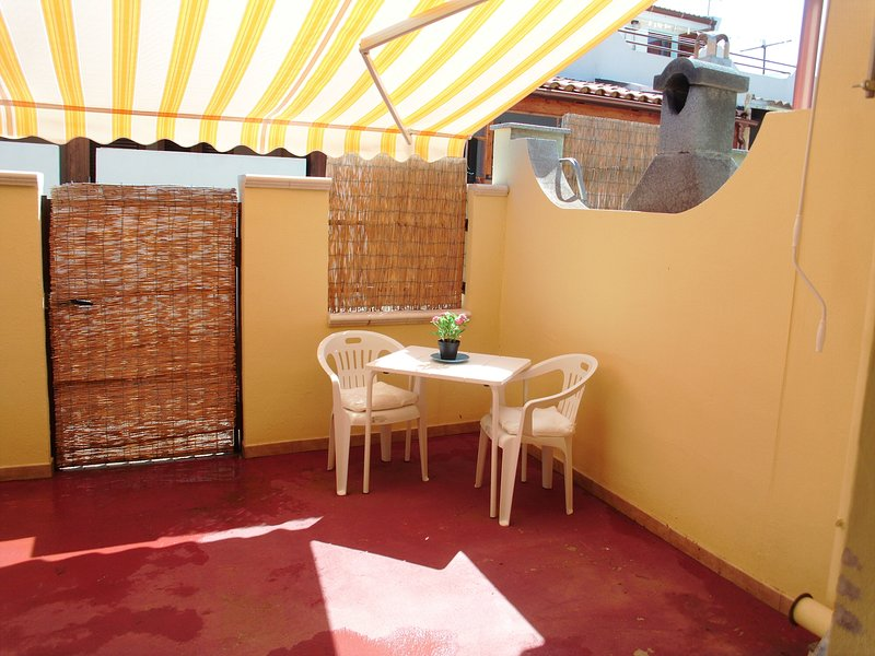 Nice studio with garden & terrace, holiday rental in Villa San Pietro