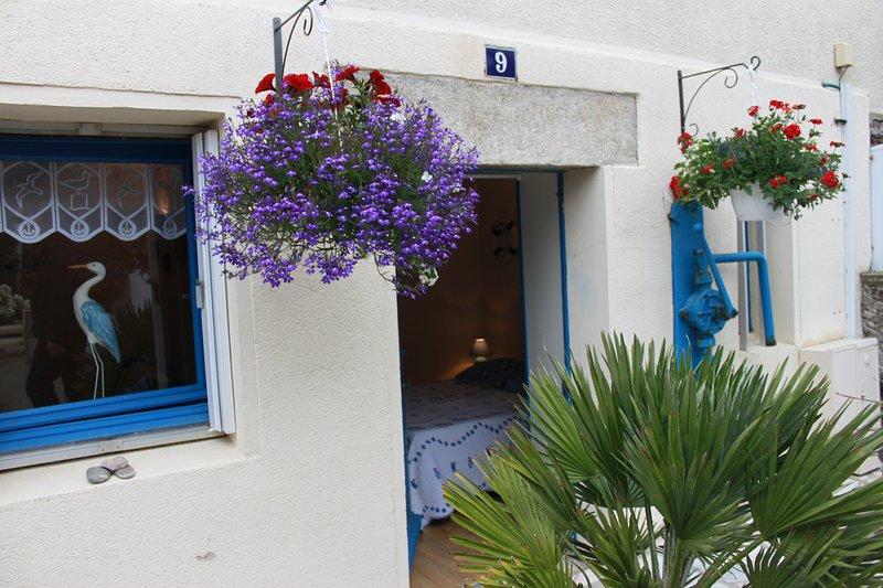 Maison de pêcheur a 20 m de la plage, les pieds dans l'eau / Rez De Chaussee, casa vacanza a Pordic
