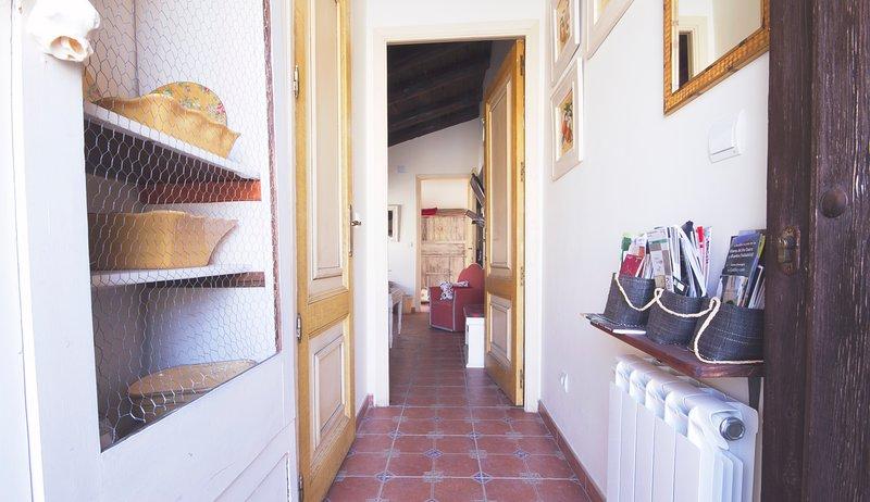 Apartamento Rural ideal para 2/3 personas en Villasexmir, Valladolid, holiday rental in Simancas
