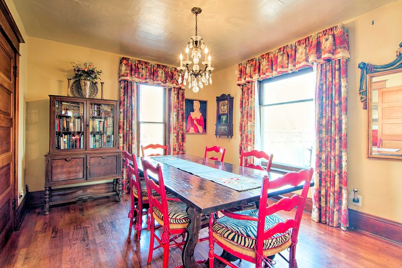 Three to 4 guests will fall in love with this home's unique, eclectic decor.