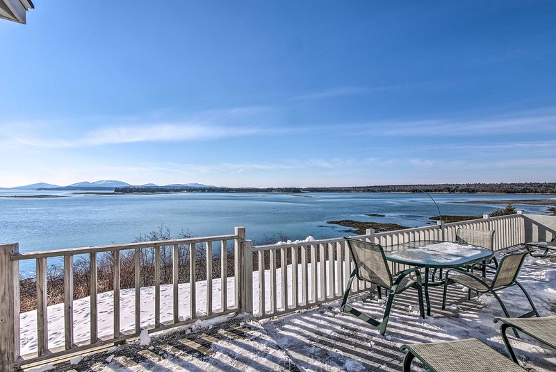 Waterfront Lamoine Cottage w/ Bay & Mtn Views, vacation rental in Lamoine