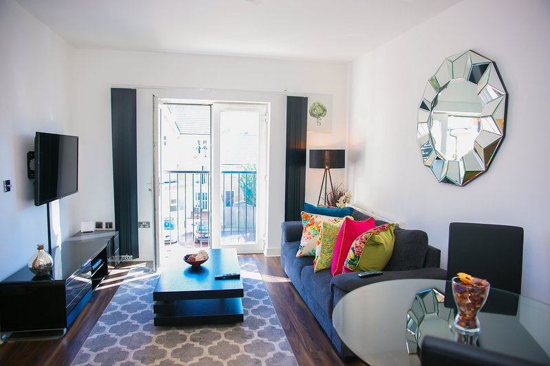 Modern 2 Bedroom Apartment, holiday rental in Bexley