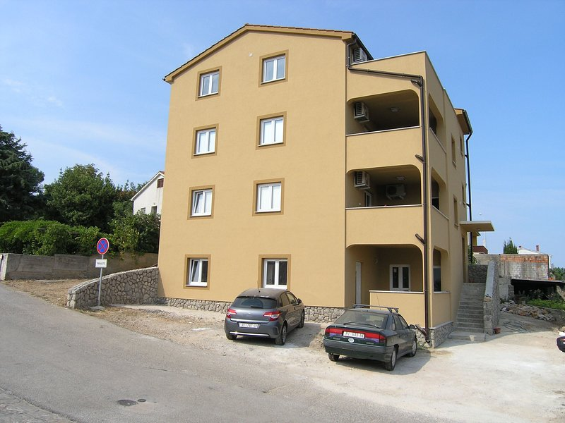 Apartment Goran Kinkela, holiday rental in Baska
