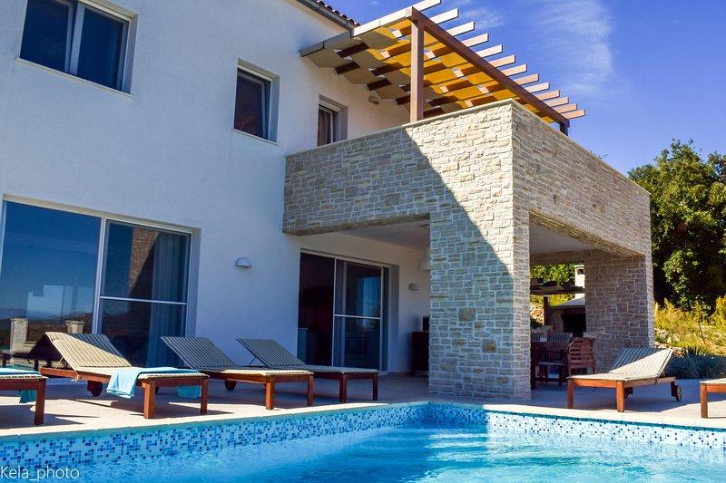 Villa Aya, holiday rental in Savar