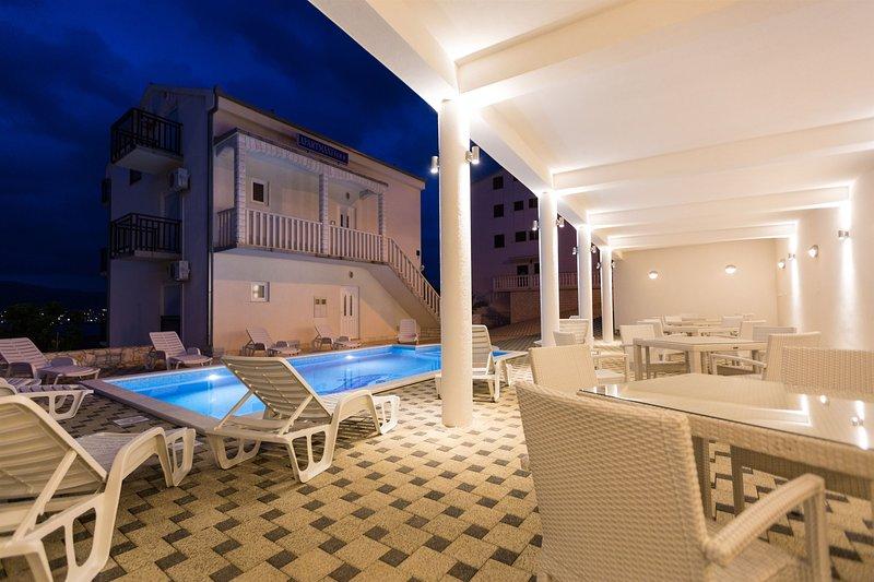 Apartments Nikola, aluguéis de temporada em Okrug Donji