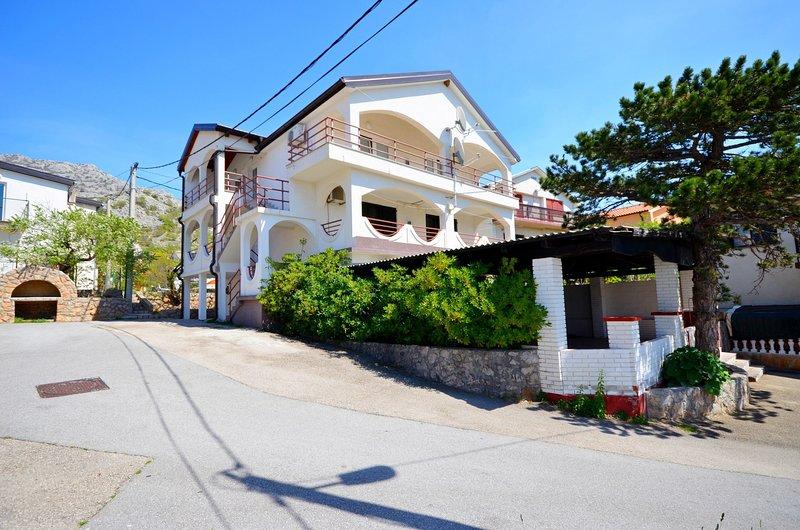 Apartments Kata, holiday rental in Baske Ostarije