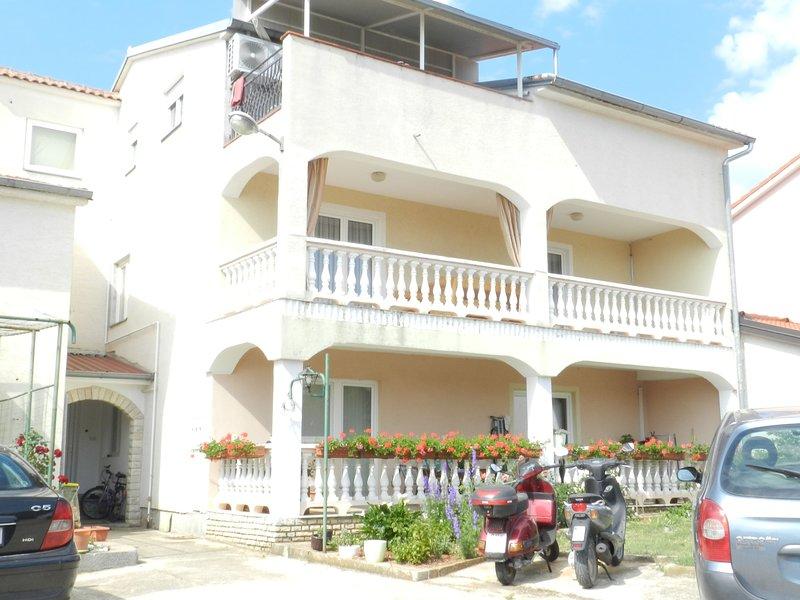 Apartments Ankica, holiday rental in Stinjan