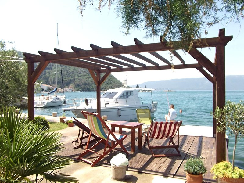 Apartment Vedran, holiday rental in Blace