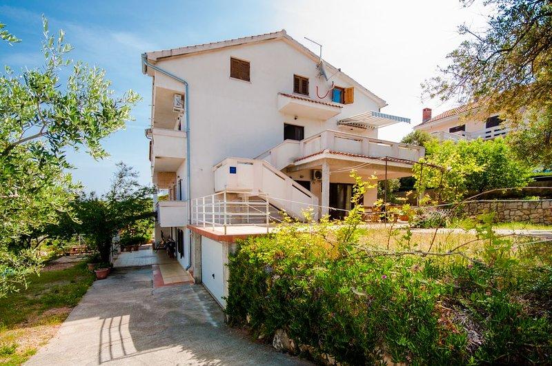 Apartments Josip, casa vacanza a Lun