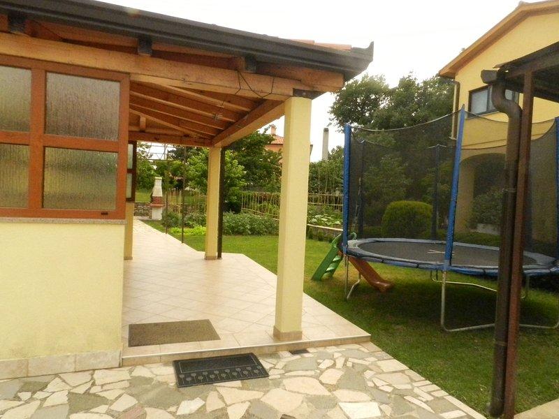 Apartment Belusic, casa vacanza a Vinez